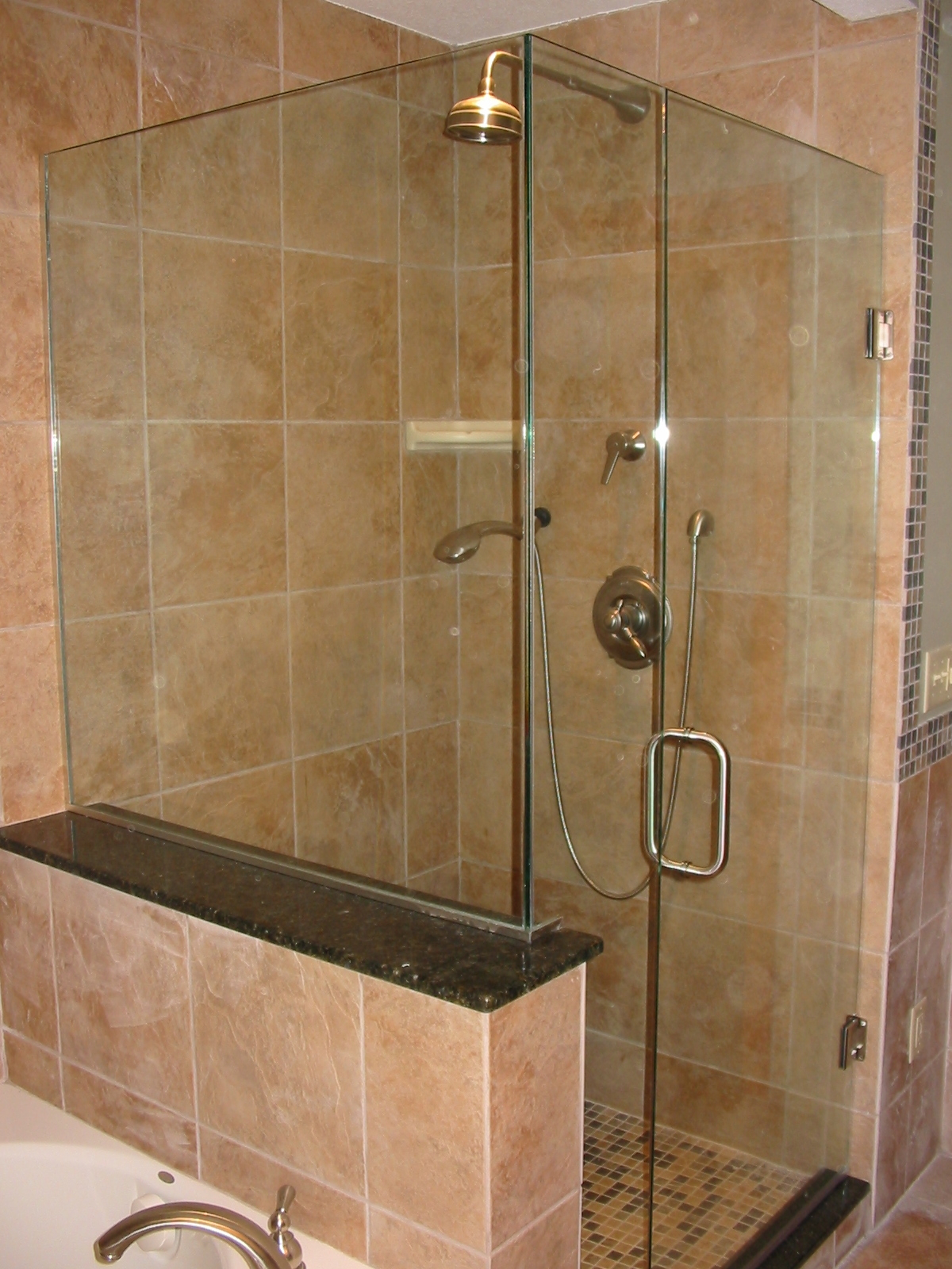 Frameless shower doors bathroom shower designs for Bathroom designs glass